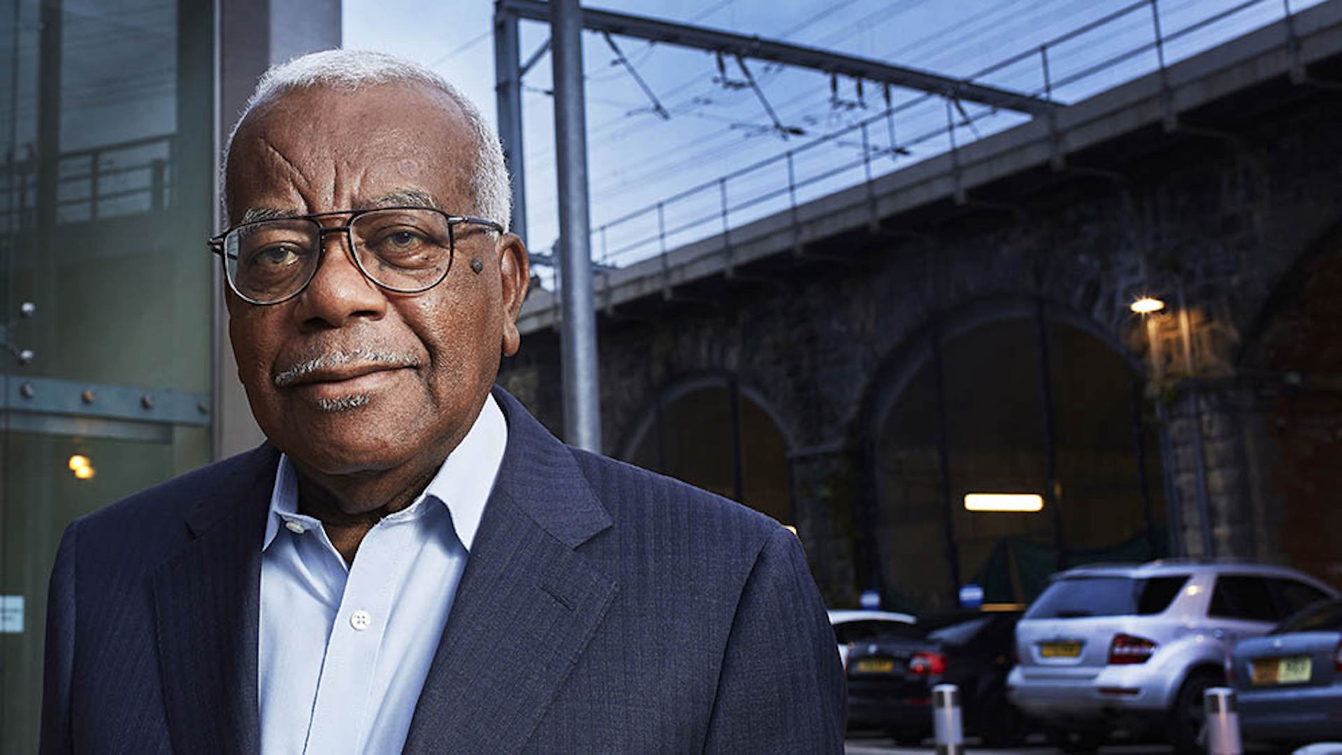 From Potato Productions   AN HOUR TO CATCH A KILLER Thursday 12th October 2017 on ITV   Pictured: Trevor McDonald   Sir Trevor McDonald introduces this groundbreaking film with unprecedented access to Northumbria Police Murder Detectives as they try to catch the killer of Alice Ruggles, a 24 year-old woman from Gateshead.   From the moment the body is discovered by her flatmate, viewers will see first-hand exactly how the investigation unfolds throughout 'The Golden Hour', the initial period of the investigation when every decision made by the senior investigating officer can be the difference between whether or not the murderer is caught and convicted.  Photographer: Justin Slee   © ITV   For further information please contact Peter Gray 0207 157 3046 peter.gray@itv.com    This photograph is © ITV and can only be reproduced for editorial purposes directly in connection with the  programme AN HOUR TO CATCH A KILLER or ITV. Once made available by the ITV Picture Desk, this photograph can be reproduced once only up until the Transmission date and no reproduction fee will be charged. Any subsequent usage may incur a fee. This photograph must not be syndicated to any other publication or website, or permanently archived, without the express written permission of ITV Picture Desk. Full Terms and conditions are available on the website www.itvpictures.com